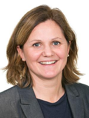 Sofia Mayer, Finanskompetens